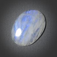 Кабошон из лунного камня (moonstone  cabochon)
