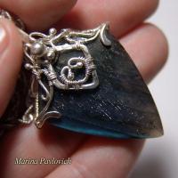 Кулон из серебра с камнем лабрадором