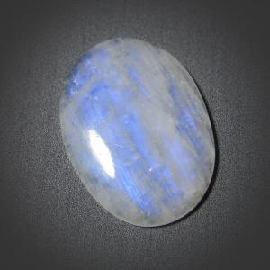 Кабошон из лунного камня 39,5х29