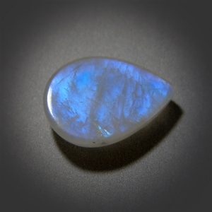 Кабошон из лунного камня -Moonstone cabochon