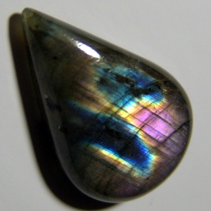 Cabochon spectrolite 29*20*7mm,  30ct