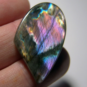 Cabochon spectrolite 36*23*5 mm, 38 ct