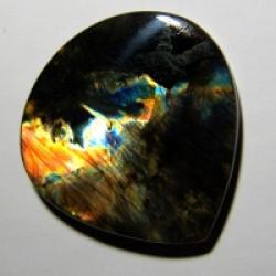 Кабошон из спектролита  45*44*6 mm,  вес 106 ct